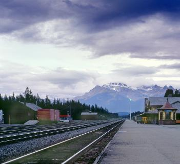 rail travel canada rocky mountains